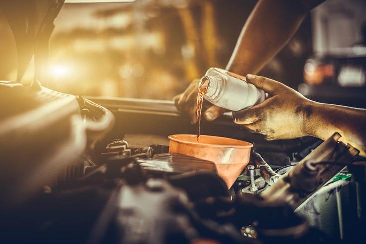 Service d'entretien automobile à domicile à Pessac - vidange auto à domicile